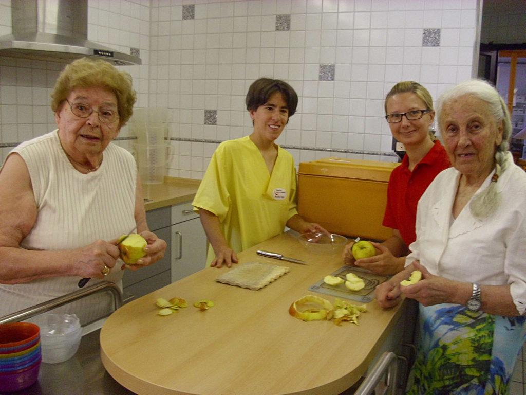 Beim Kochen erinnern sich Menschen mit Demenz an früher (Foto: WGfS)